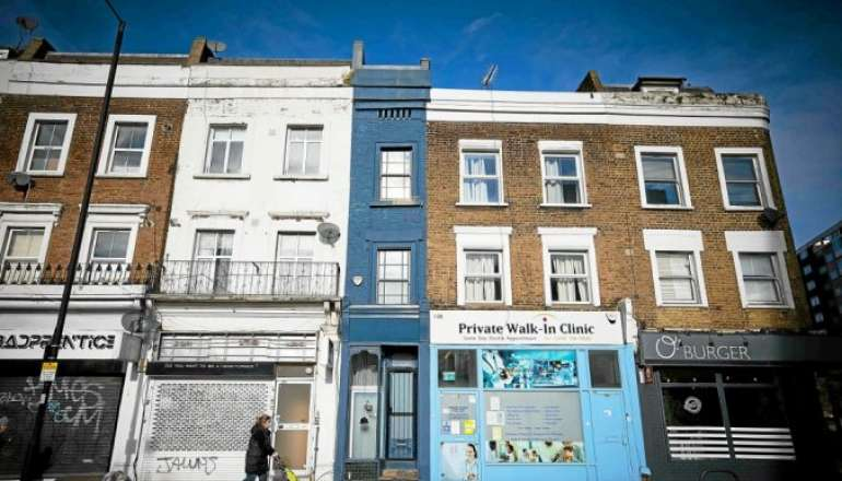 La maison la plus étroite de Londres est en vente 🏠