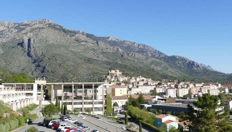 Locations étudiantes à Corte : guide du logement idéal 😌